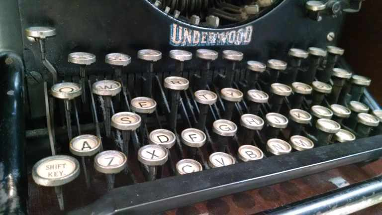 typewriter_lr